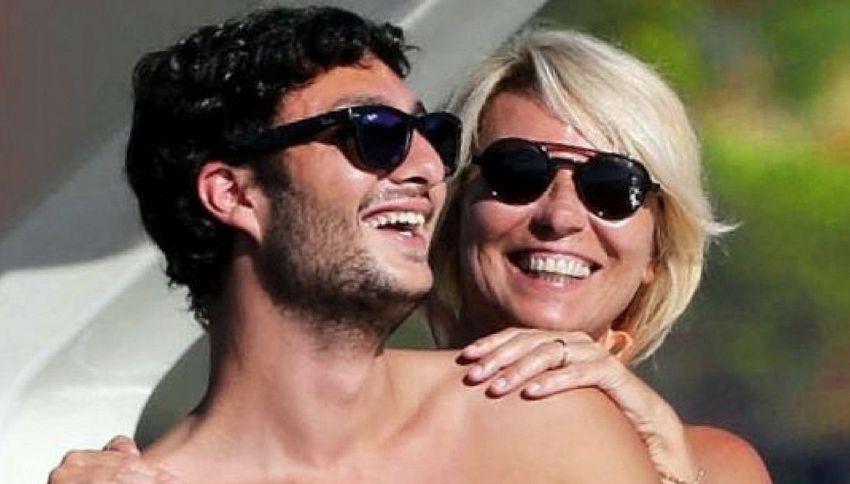 Maria De Filippi: mio figlio è sempre chiuso in bagno con un'amica