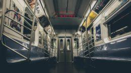 Roma, prete molesta quarantenne in pieno giorno in metro